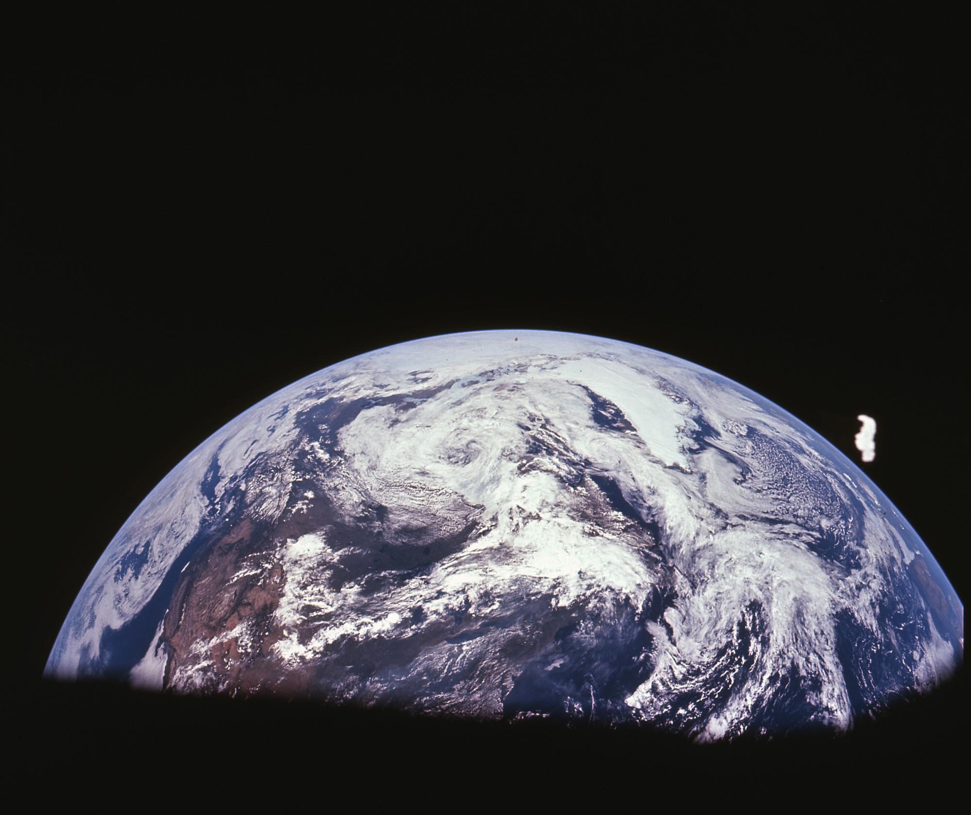 Evidence NASA Edits Photos To Keep Public In Dark ...